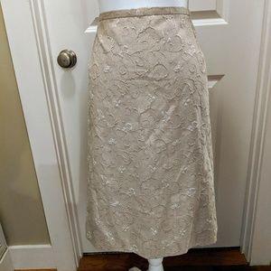NWT 24W Gold Brocade Skirt 🌟